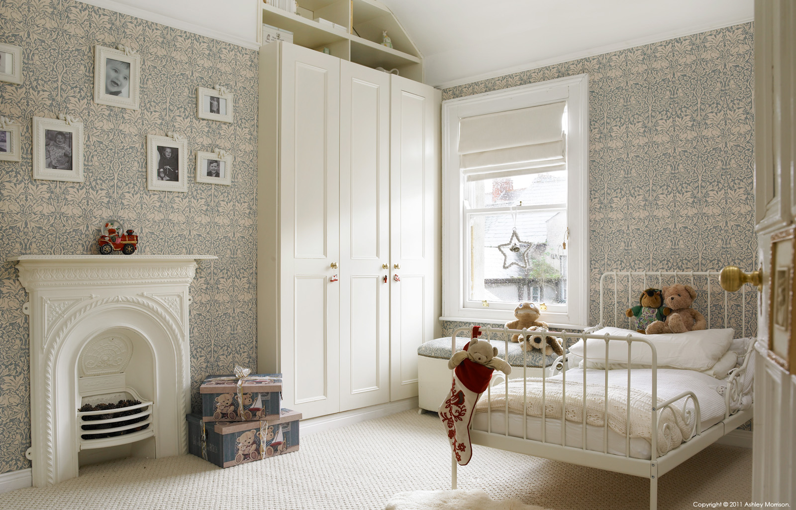 Amanda and keith mcguile son 39 s bedroom at christmas time for Bedroom ideas victorian terrace