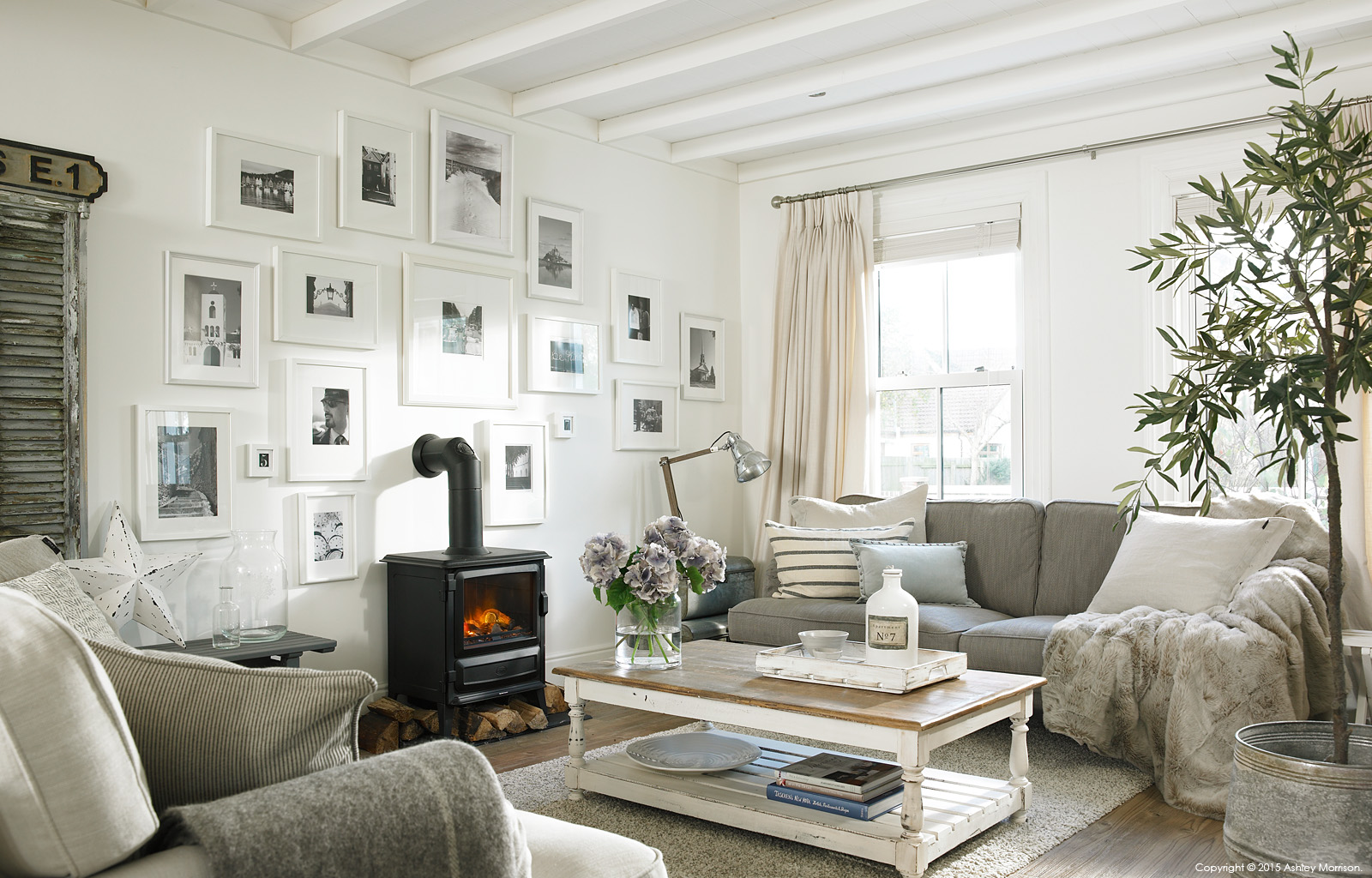 The living room area in Marie and Alan McMillen\'s renovated 1960\'s ...
