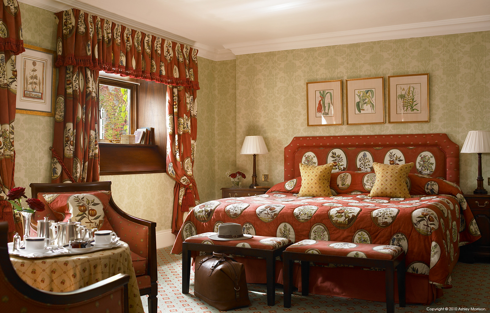 Queen ann bedroom suite at dromoland castle in county clare for Queen anne bedroom suite